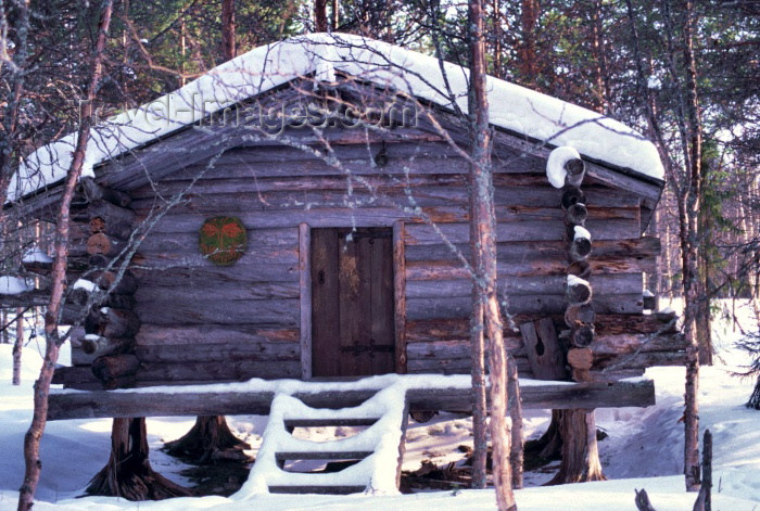 fin65: Finland - Lapland: cottage (photo by F.Rigaud) - (c) Travel-Images.com - Stock Photography agency - Image Bank