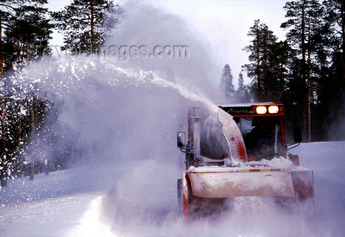 fin87: Finland - Lapland - Inari - now cleaning vehicle - Arctic images by F.Rigaud - (c) Travel-Images.com - Stock Photography agency - Image Bank
