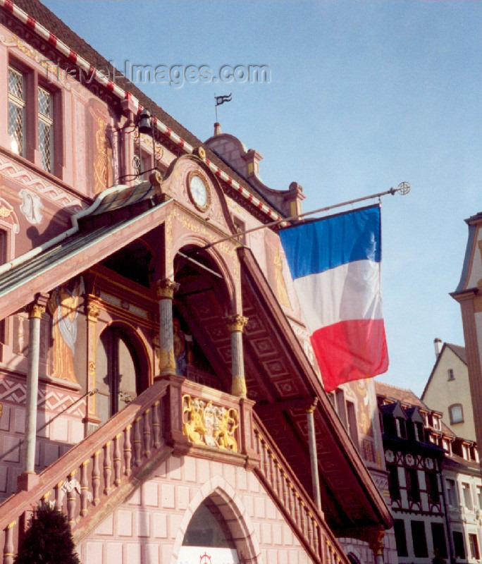 france1: France - Mulhouse / Mulhausen  (Haut-Rhin - Alsace): carrousel at Place de la Réunion (photo by MigueFrance - Mulhouse / Mulhausen  (Haut-Rhin - Alsace): flying the french colours - Hôtel de ville, place de la Reunion (photo by Miguel Torres)l Torres) - (c) Travel-Images.com - Stock Photography agency - Image Bank
