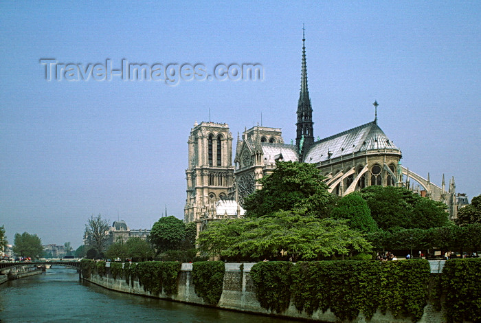 france1071: Paris, France: Notre Dame Cathedral, the Seine River and Ile Saint Louis - 4e arrondissement - photo by C.Lovell - (c) Travel-Images.com - Stock Photography agency - Image Bank