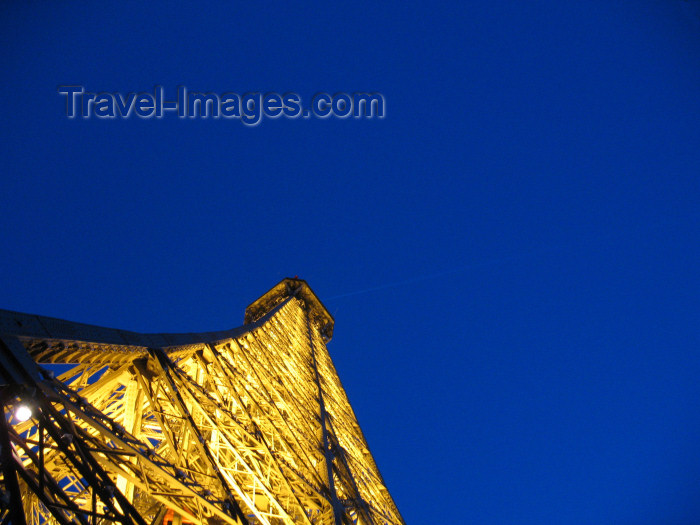 france1092: France - Paris: Eiffel tower - nocturnal - detail - photo by D.Hicks - (c) Travel-Images.com - Stock Photography agency - Image Bank
