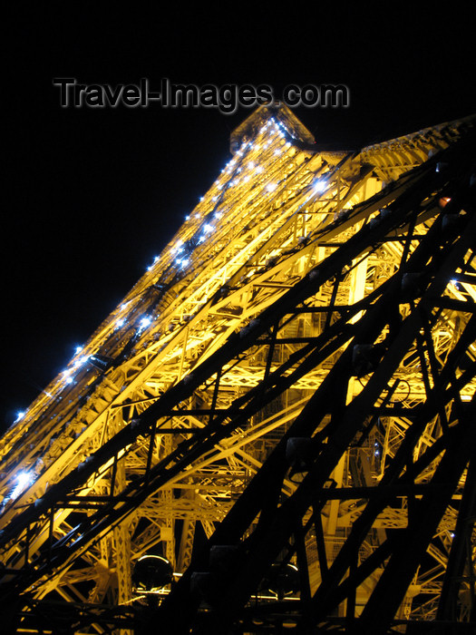 france1093: France - Paris: Eiffel tower - nocturnal - Parisian attractions - photo by D.Hicks - (c) Travel-Images.com - Stock Photography agency - Image Bank