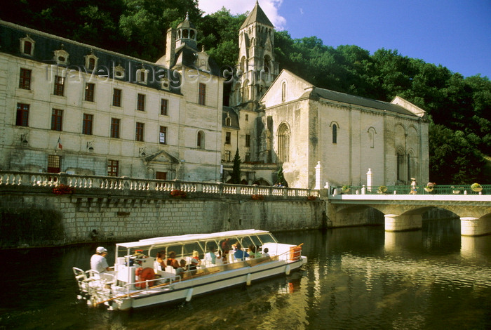 france1098: Brantôme / Brantòsme, Dordogne, Aquitaine, France: tour boat on theriver Dronne next to the Benedictine Abbey of Brantôme - founded in 769 by Charlemagne - the Romanesque bell-tower it the oldest in France - photo by K.Gapys - (c) Travel-Images.com - Stock Photography agency - Image Bank