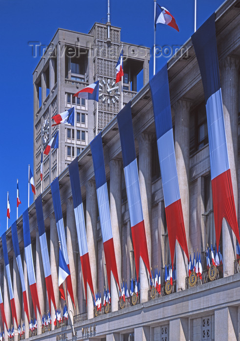 france1102: France - Le Havre (Seine-Maritime, Haute-Normandie): French Flags on Town Hall - photo by A.Bartel - (c) Travel-Images.com - Stock Photography agency - Image Bank
