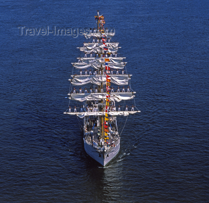 france1106: France - River Seine estuary -  (Seine-Maritime, Haute-Normandie):Gloria, Colombia, Square Rigger, Sail Training Ship - photo by A.Bartel - (c) Travel-Images.com - Stock Photography agency - Image Bank