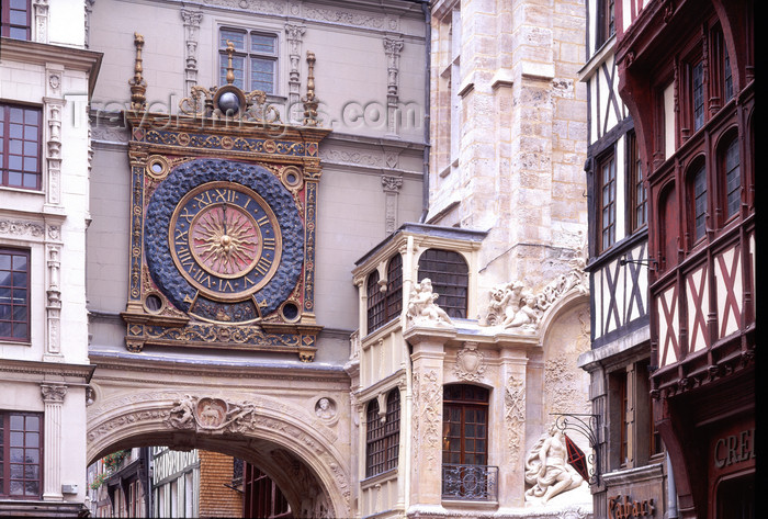 france1111: France - Rouen (Seine-Maritime, Haute Normandy): Gros Horloge - clock and arch - photo by A.Bartel - (c) Travel-Images.com - Stock Photography agency - Image Bank