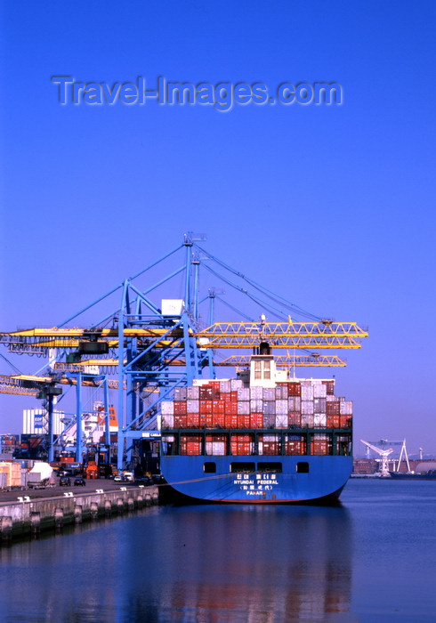 france1115: Le Havre, Seine-Maritime, Haute-Normandie, France: Hyundai Federal and Caillard Gantry Cranes - Container Port - photo by A.Bartel - (c) Travel-Images.com - Stock Photography agency - Image Bank
