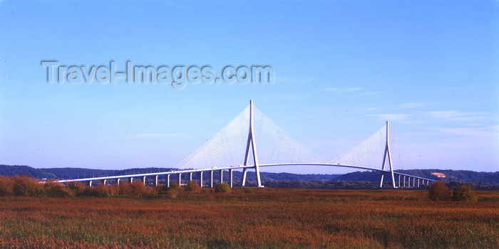 france1119: Le Havre, Seine-Maritime, Haute-Normandie, France: Normandy Bridge and the fields - photo by A.Bartel - (c) Travel-Images.com - Stock Photography agency - Image Bank
