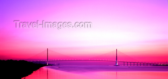 france1124: Le Havre, Seine-Maritime, Haute-Normandie, France: Normandy Bridge at dusk - pink sky - photo by A.Bartel - (c) Travel-Images.com - Stock Photography agency - Image Bank