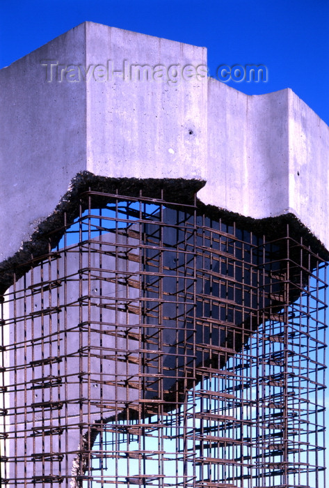 france1127: Le Havre, Seine-Maritime, Haute-Normandie, France: Normandy Bridge, concrete structure section sample - photo by A.Bartel - (c) Travel-Images.com - Stock Photography agency - Image Bank