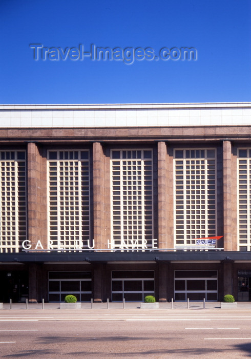 france1131: Le Havre, Seine-Maritime, Haute-Normandie, France: Railway Station - Gare SNCF - photo by A.Bartel - (c) Travel-Images.com - Stock Photography agency - Image Bank