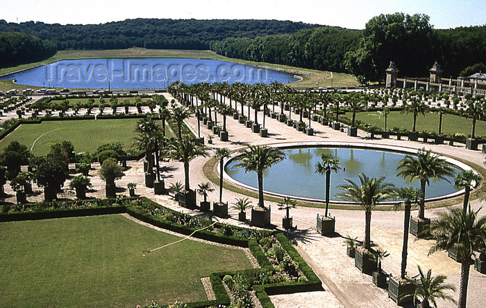 france1161: Versailles, Yvelines département, France: Palace of Versailles / Château de Versailles - artificial pond and orangery - piece d'eau des Suisses - photo by Y.Baby - (c) Travel-Images.com - Stock Photography agency - Image Bank