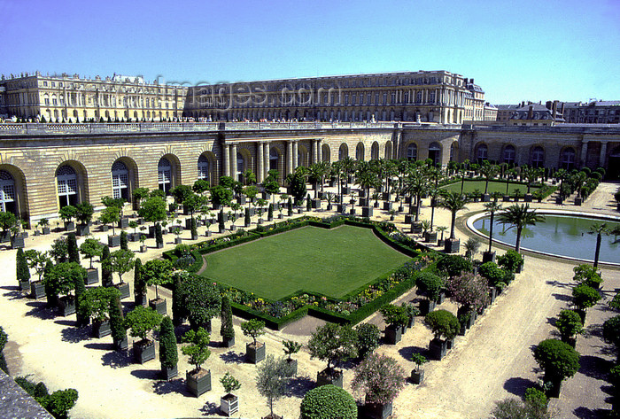 france1162: Versailles, Yvelines département, France: Palace of Versailles / Château de Versailles - castle and the orangery - orange trees are planted in boxes - photo by Y.Baby - (c) Travel-Images.com - Stock Photography agency - Image Bank