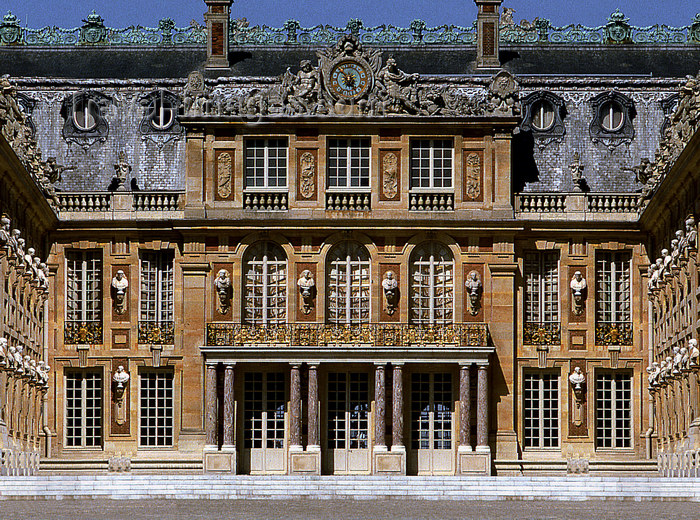 france1163: Versailles, Yvelines département, France: Palace of Versailles / Château de Versailles - palace main entrance - UNESCO world heritage site  - photo by Y.Baby - (c) Travel-Images.com - Stock Photography agency - Image Bank