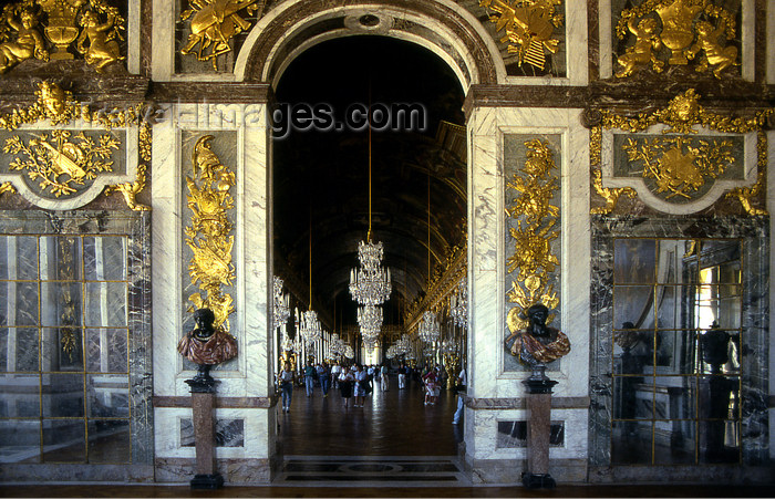 france1169: Versailles, Yvelines département, France: Palace of Versailles / Château de Versailles - entrance to the Hall of Mirrors - Galerie des glaces - photo by Y.Baby - (c) Travel-Images.com - Stock Photography agency - Image Bank
