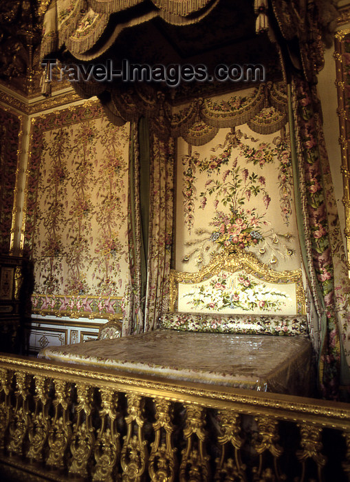france1175: Versailles, Yvelines département, France: Palace of Versailles / Château de Versailles - the Queen's bedchamber - Grand Appartement de la Reine - photo by Y.Baby - (c) Travel-Images.com - Stock Photography agency - Image Bank
