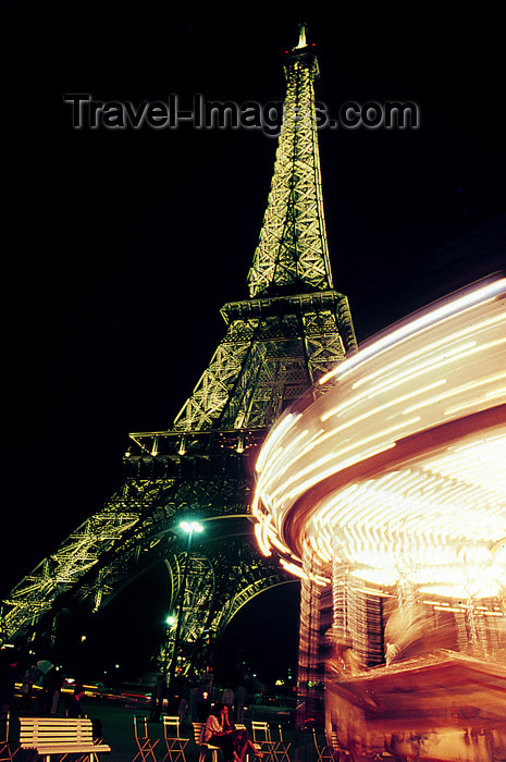france1182: Paris: Eiffel tower and carrousel - nocturnal - photo by Y.Baby - (c) Travel-Images.com - Stock Photography agency - Image Bank