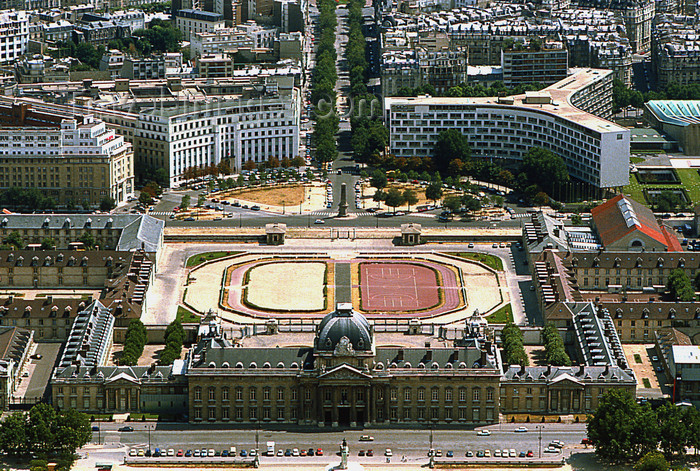 france1185: Paris: Ecole Militaire - French Military Academy seen from the Eiffel tower - architect Ange-Jacques Gabriel - 7th arrondissement - photo by Y.Baby - (c) Travel-Images.com - Stock Photography agency - Image Bank