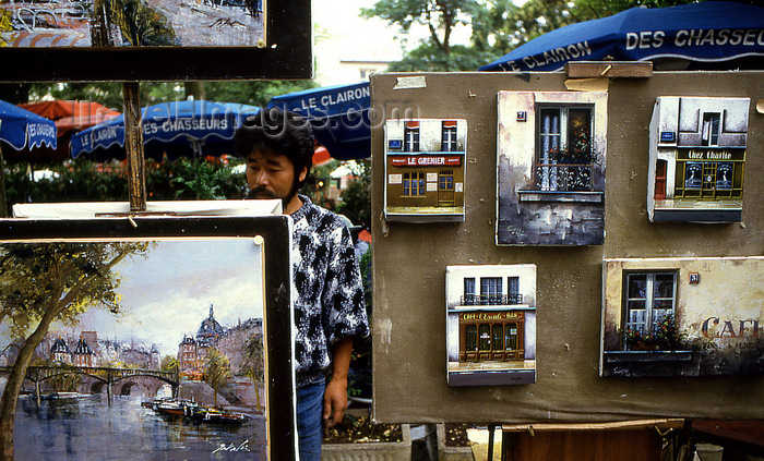 france1198: Paris: painter in Montmartre - photo by Y.Baby - (c) Travel-Images.com - Stock Photography agency - Image Bank