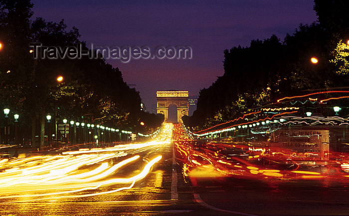 france1199: Paris: Champs-Élysées at night - seen from Place de la Concorde - photo by Y.Baby - (c) Travel-Images.com - Stock Photography agency - Image Bank