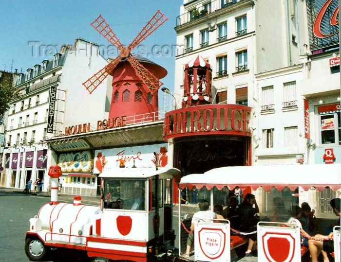 france121: France - Paris: tourist train at the Moulin Rouge - Pigalle - photo by Hy Waxman - (c) Travel-Images.com - Stock Photography agency - Image Bank