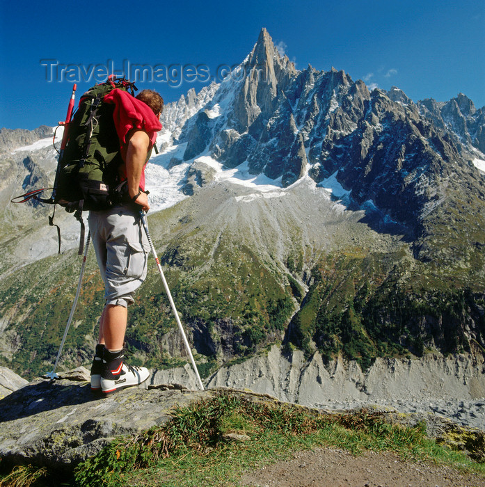 france1213: France  - Petit Dru / Petit Aiguille du Dru, Haute-Savoie, Rhone-Alpes: a hiker at mountain-station Le Montevers looks at the Petit Dry - west ridge of the Aiguille Verte, Graian Alps - photo by W.Allgower - (c) Travel-Images.com - Stock Photography agency - Image Bank