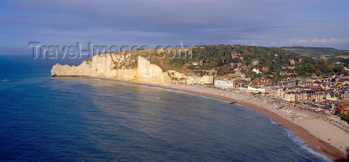 france1216: France - Étretat - Seine-Maritime departement, Haute-Normandie: the town and the cliffs - Côte d'Albâtre / Alabaster Coast - Pays de Caux - photo by W.Allgower - (c) Travel-Images.com - Stock Photography agency - Image Bank