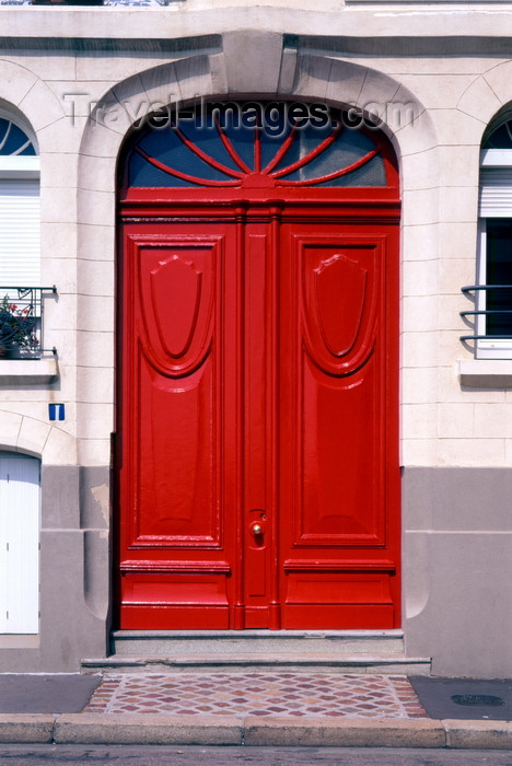 france1220: Le Havre, Seine-Maritime, Haute-Normandie, France: double red door - photo by A.Bartel - (c) Travel-Images.com - Stock Photography agency - Image Bank