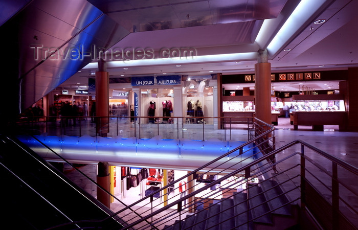 france1222: Le Havre, Seine-Maritime, Haute-Normandie, France: dark Shopping Mall - stairs - photo by A.Bartel - (c) Travel-Images.com - Stock Photography agency - Image Bank