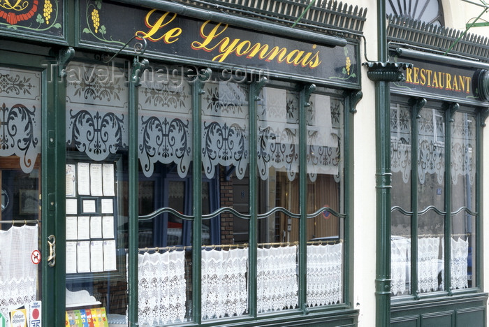 france1226: Le Havre, Seine-Maritime, Haute-Normandie, France: Restaurant Le Lyonnais - Rue de Bretagne - photo by A.Bartel - (c) Travel-Images.com - Stock Photography agency - Image Bank