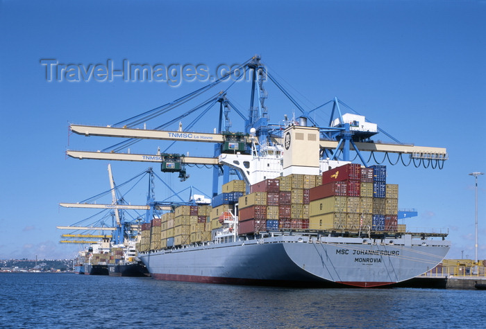 france1228: Le Havre, Seine-Maritime, Haute-Normandie, France: stern view MSC Johannesburg Container Ship - gantry cranes - photo by A.Bartel - (c) Travel-Images.com - Stock Photography agency - Image Bank