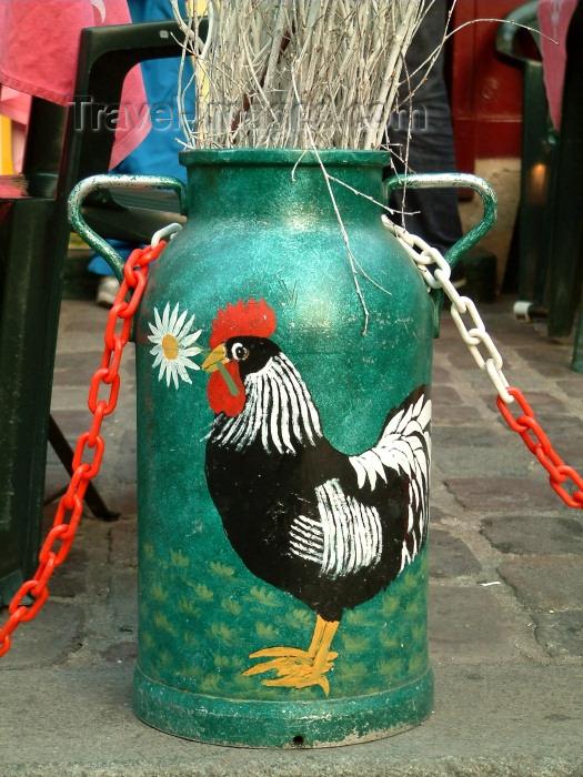 france125: France - Paris: Le coq français - old milk container - photo by C.Schmidt - (c) Travel-Images.com - Stock Photography agency - Image Bank
