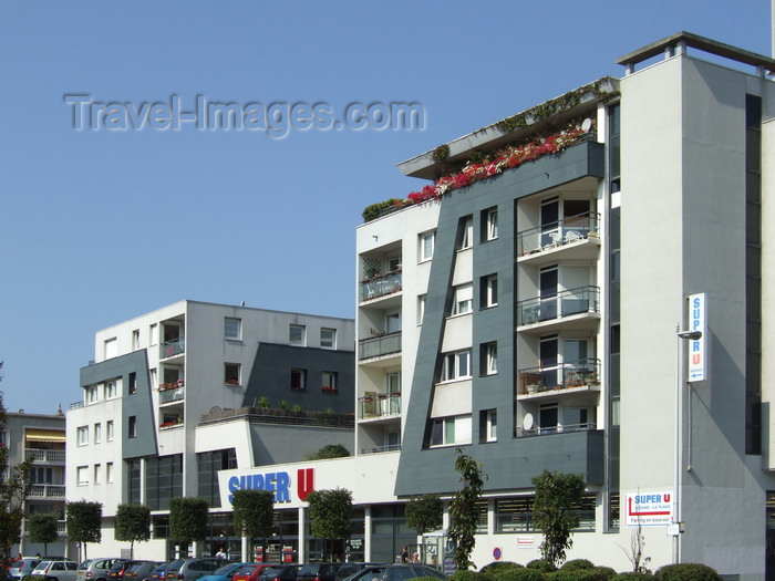 france1256: Le Havre, Seine-Maritime, Haute-Normandie, France: Super U Supermarket and Social Housing (HLM) - photo by A.Bartel - (c) Travel-Images.com - Stock Photography agency - Image Bank