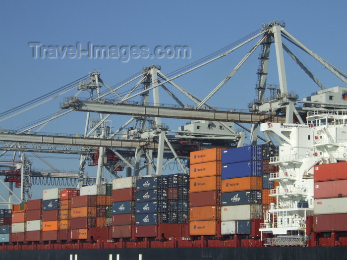 france1264: Le Havre, Seine-Maritime, Haute-Normandie, France: Loading Containers, Port cranes - photo by A.Bartel - (c) Travel-Images.com - Stock Photography agency - Image Bank