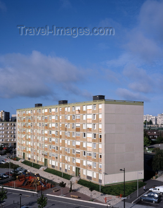 france1267: Le Havre, Seine-Maritime, Haute-Normandie, France: Council Housing - dull apartment blocks, HLM - photo by A.Bartel - (c) Travel-Images.com - Stock Photography agency - Image Bank