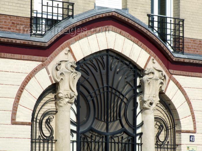 france1285: Le Havre, Seine-Maritime, Haute-Normandie, France: Doorway, Braque Building, 1904, Art Nouveau - rue Champlain - architect William Cargill - photo by A.Bartel - (c) Travel-Images.com - Stock Photography agency - Image Bank