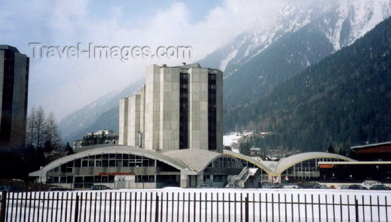 france13: France / Frankreich -  Chamonix-Mont-Blanc (Haute-Savoi): sports centre - photo by M.Torres - (c) Travel-Images.com - Stock Photography agency - Image Bank