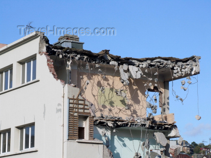 france1301: Le Havre, Seine-Maritime, Haute-Normandie, France: remains of conctre slabs of a partly demolished building - Normandy - photo by A.Bartel - (c) Travel-Images.com - Stock Photography agency - Image Bank