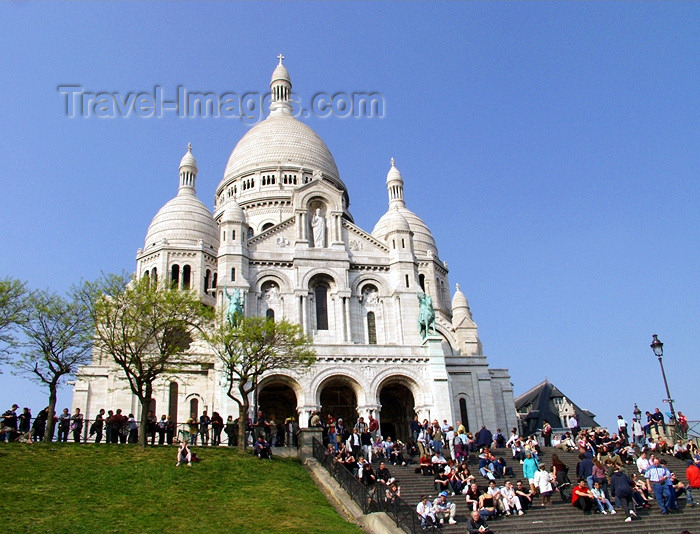 france131: France - Paris: Sacre-Coeur basilica - resting on the stairs - photo by K.White - (c) Travel-Images.com - Stock Photography agency - Image Bank