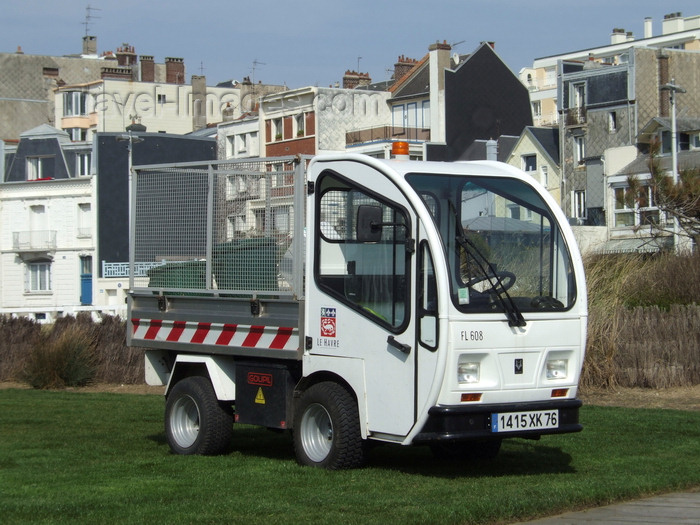 france1316: Le Havre, Seine-Maritime, Haute-Normandie, France: Electric Vehicle - smal truck built by Goupil industrie - photo by A.Bartel - (c) Travel-Images.com - Stock Photography agency - Image Bank
