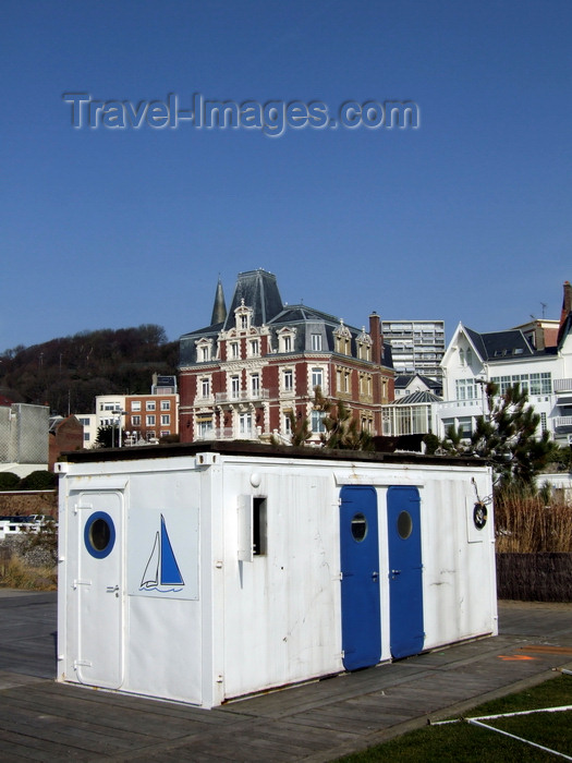 france1317: Le Havre, Seine-Maritime, Haute-Normandie, France: Portacabin, white container with blue doors, seasonal beach restaurant construction - Villa Maritime - photo by A.Bartel - (c) Travel-Images.com - Stock Photography agency - Image Bank