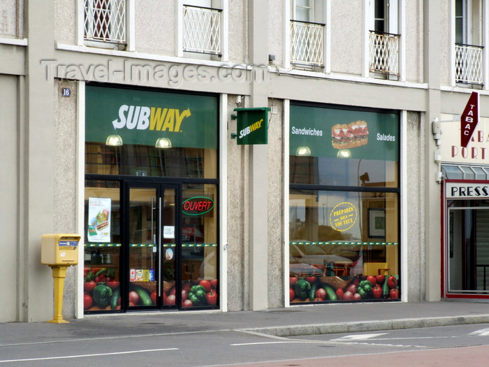 france1320: Le Havre, Seine-Maritime, Haute-Normandie, France: Subway, fast food restaurant - Normandy - photo by A.Bartel - (c) Travel-Images.com - Stock Photography agency - Image Bank