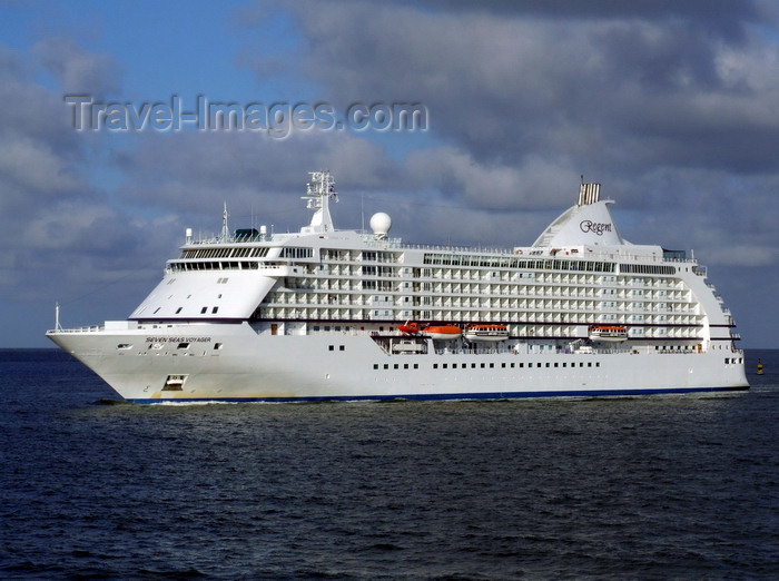 france1324: Le Havre, Seine-Maritime, Haute-Normandie, France: Regent's Seven Seas Voyager Cruise Ship - Normandy - photo by A.Bartel - (c) Travel-Images.com - Stock Photography agency - Image Bank