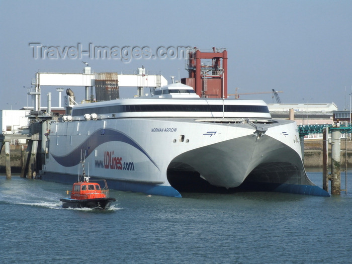 france1326: Le Havre, Seine-Maritime, Haute-Normandie, France: LD Lines Norman Arrow, Catamaran - Normandy - photo by A.Bartel - (c) Travel-Images.com - Stock Photography agency - Image Bank