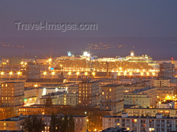 france1327: Le Havre, Seine-Maritime, Haute-Normandie, France: city and Cruise Liner at night - Normandy - photo by A.Bartel - (c) Travel-Images.com - Stock Photography agency - Image Bank