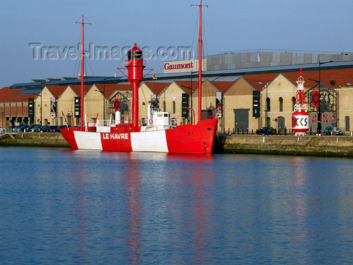 france1333: Le Havre, Seine-Maritime, Haute-Normandie, France: Le Havre Lightship - red and white hull - Docks Vauban - photo by A.Bartel - (c) Travel-Images.com - Stock Photography agency - Image Bank