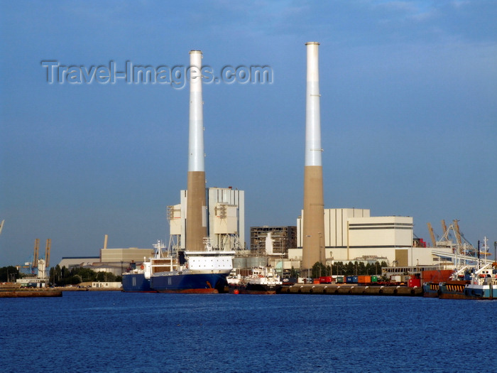 france1335: Le Havre, Seine-Maritime, Haute-Normandie, France: tall smoke stacks of the EdF Le Havre coal fired Power Plant - avenue Christophe Colomb - photo by A.Bartel - (c) Travel-Images.com - Stock Photography agency - Image Bank