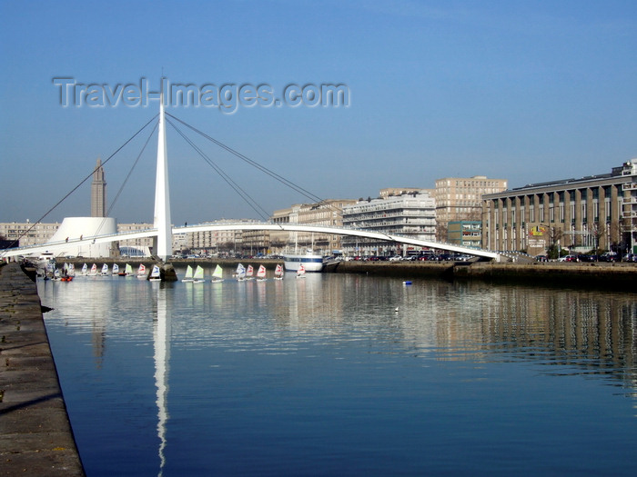 france1342: Le Havre, Seine-Maritime, Haute-Normandie, France: Stock exchange bridge and small sail boats - Pont de la Bourse - Bassin du Commerce - photo by A.Bartel - (c) Travel-Images.com - Stock Photography agency - Image Bank