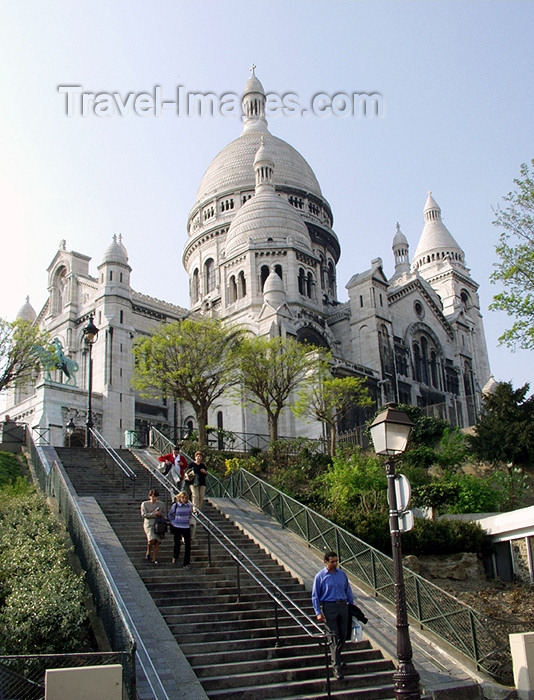 france135: France - Paris: Sacre-Coeur basilica - stairs - 18th arrondissement - Right Bank - photo by K.White - (c) Travel-Images.com - Stock Photography agency - Image Bank