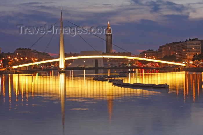 france1354: Le Havre, Seine-Maritime, Haute-Normandie, France: Stock exchange bridge at dusk - Pont de la Bourse - Bassin du Commerce - Normandy - photo by A.Bartel - (c) Travel-Images.com - Stock Photography agency - Image Bank